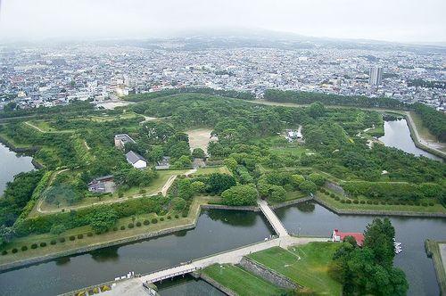 800px-Goryokaku_fort_retouched_20060814-001